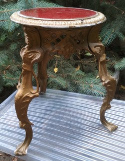 Столик-подставка, высота прим. 39-40 см