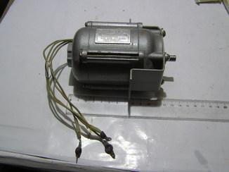 Эл. двигатель АВЕ-042-4. 18 ватт. Б\у.
