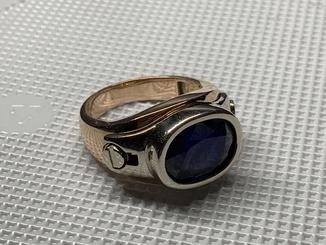 Золотой мужской перстень с сапфиром 17.22 гр  20.5 размер