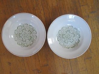 Две тарелки из 60г.