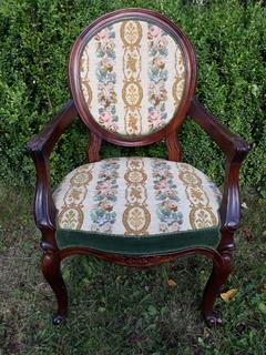 Крісло у стилі Рококо