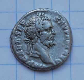 XIIII легион. Денарий Септимия Севера.