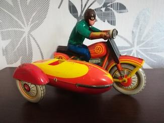 Жестяной заводной мотоцикл ссср