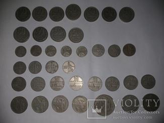 44 монеты.