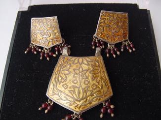 Набор серьги и подвес из Индии Ручная работа Серебро и гранаты