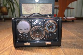 Spirit of St. Louis Air Station Radio Alarm Clock радио ретро дизайн