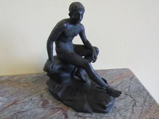"""Кабинетная скульптура """" Гермес сидит на скале"""" бронза Европа"""