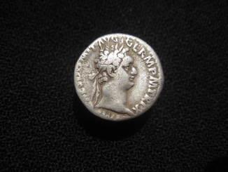Денарий Домициан  Минерва со щитом и копем