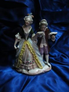 """Статуэтка """"Дама и кавалер"""", ХIХ век, Германия"""