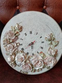 Скульптурний живопис (Годинник)