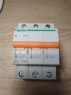 Автомат Schneider BA63 С40