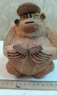 Фигурка с кокоса --Профессор