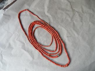 Старинные ожерелье  из красного карала