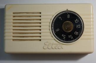 Первый польский транзисторный приёмник Eltra MOT-59.