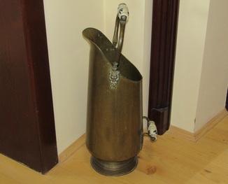 Зонтница. Зольник. Огромная мерка 14 л. для сыпучих продуктов маскароны антиквариат