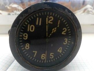 Часы авр-м. 5-ти суточные.