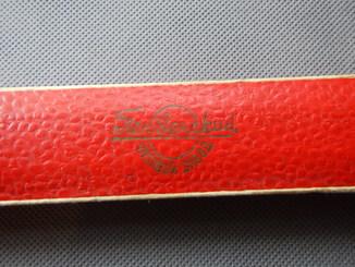 """Коробка для женских золотых часов """"Заря"""", Пензенского часового завода."""