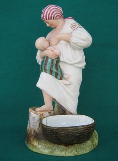«Крестьянка, кормящая ребенка», Вербилки (по мод. Гарднера), 1920-30е гг.