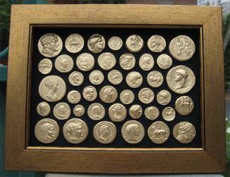 Самые маленькие монеты античности. Копии, со стеклом 25х19 см