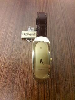 Швейцарские часики известного бренда PEOUIGNET