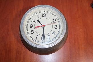Часы корабельные судовые 3-62