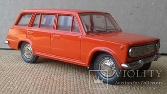 ВАЗ-2102 модель А11 (цвет коралл) 1:43