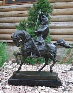 Скульптура Герцог Савойский бронза-A bronze sculpture of the Duke of Savoy on horseback