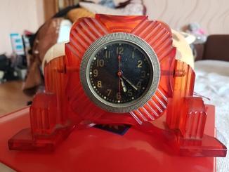 Часы танковые ЧЧЗ, красное оргстекло с надписью