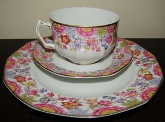 Антикварное чайное трио с монограммой чашка блюдце тарелка фарфор золочение
