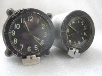 Часы специальные пара-одним лотом