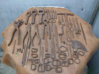 Набор инструмента немецкого кожевельника
