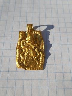 Золотая подвеска чк с антропоморфным изображением