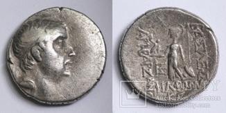 Каппадокійське царство, срібна драхма Аріобарзана I Філоромея, м.Євсебія, 73-72 до н.е.