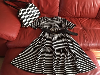 Чёрно-белое платье Abercrombie & Fitch, р.М, новое