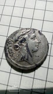 Респуб.денар Gens ACILIA.Manlius Acilius Glabrio. 49 B.C.