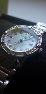 Часы женские Bulova 98R107 24 diamonds