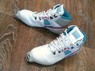 Karhu - лыжные профи ботинки разм.40