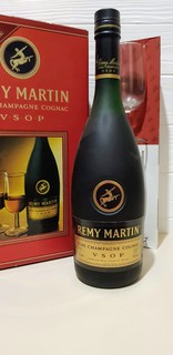 Коньяк  Remy Martin V.S.O.P.  70CL. 40%VOL.  70-80s +GiftBox