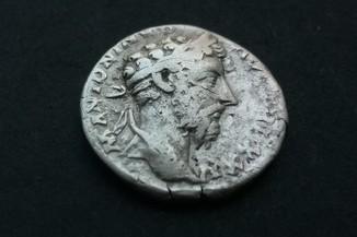 М. Аврелій Перемога RIC 163
