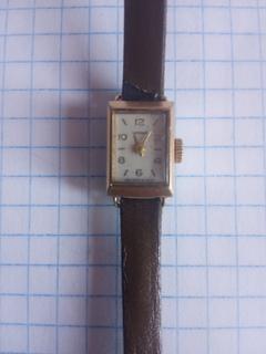 """Позолоченные механические женские наручные часы """"Чайка"""" AU."""