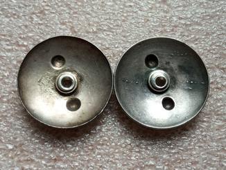 Две серебряные (гайки к орденам)