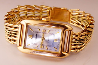 Золотые часы с браслетом 585 пробы