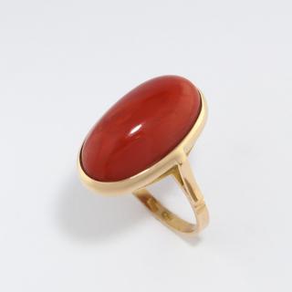 Золотое кольцо с натуральным кораллом