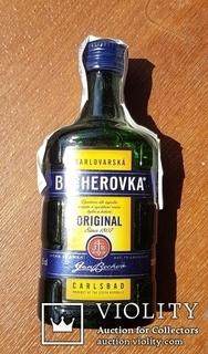 Ликерная-настойка Becherovka 0,05l.,Чехия. 25 шт.