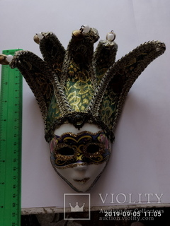 Сувенірна маска з Італіі