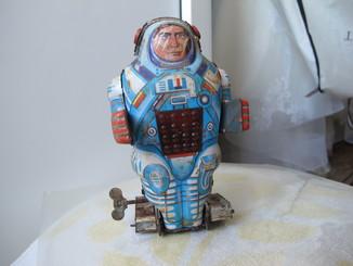 Робот  Заводная игрушка . Старая