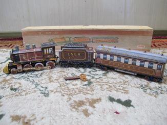 Поезд . Заводная игрушка . E.M.S.