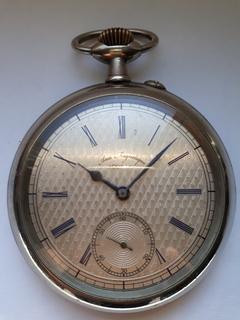 Большие часы DOXA