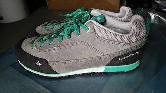 Кроссовки трекинговые серо-зелёные Quechua  - р.EUR40. Обувь из Европы - оригинал