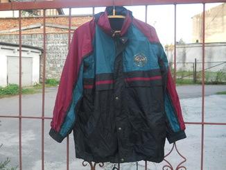 Куртка штормовка.